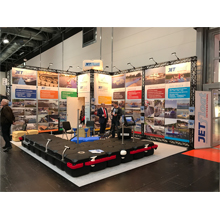 exhibition boothe enclosed with gantry system