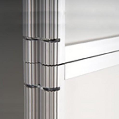 Aluminium frame folds easily when not in use
