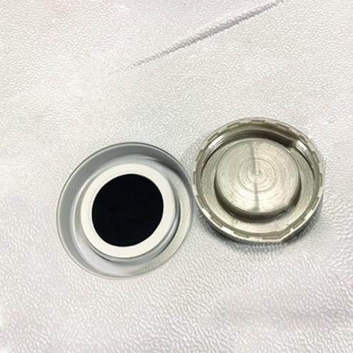 Sealed valve for inflating/deflating
