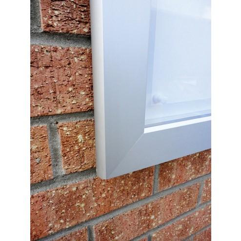Mitred Corner on Aluminium Frame