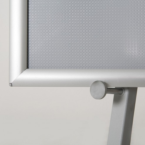 Removable pegs to adjust panel height