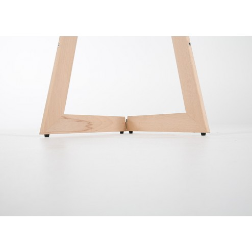 Portable easel folds flat when not in use