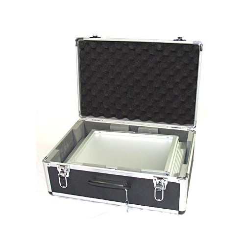 Supplied with aluminium flight case