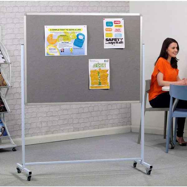 Height adjustable by 210mm