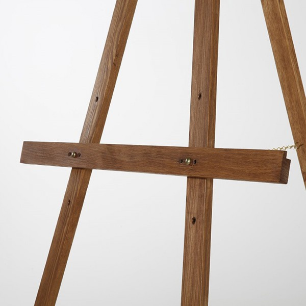 3 easel height levels available
