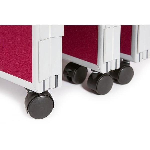 2 lockable castors per panel