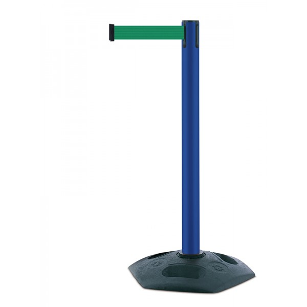 Outdoor event retractable barrier