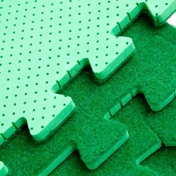Jigsaw astroturf tiles