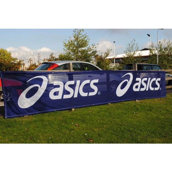 Fench Mesh Aero Banner allows wind through