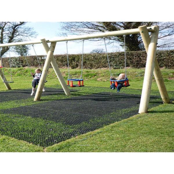 Grass protection interlocking matting