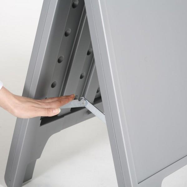 Durable locking hinges