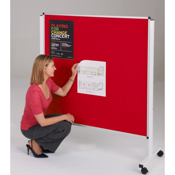 Wheeled notice board