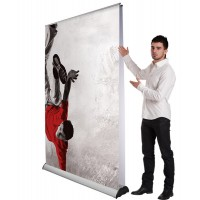 The Rolla 1 Jumbo is a popular and versatile banner ideal for exhibition or showroom graphic display. It can be used as a single or double-sided unit