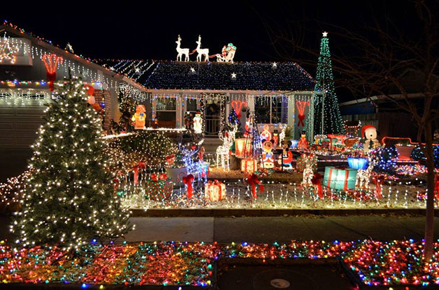 christmas-house-light-displays-3