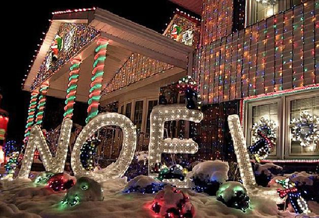 christmas-house-light-displays-7